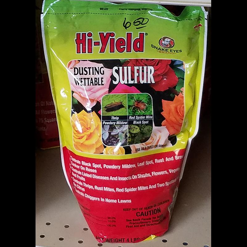 Dusting Vergetable Sulfur